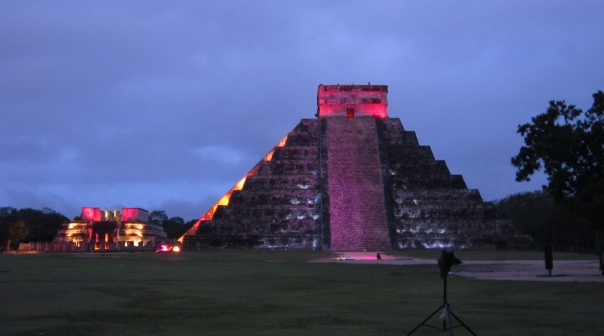 4 chichen itza night