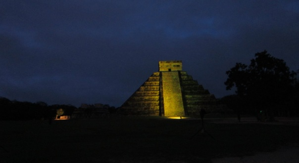 5 chichen itza night 2