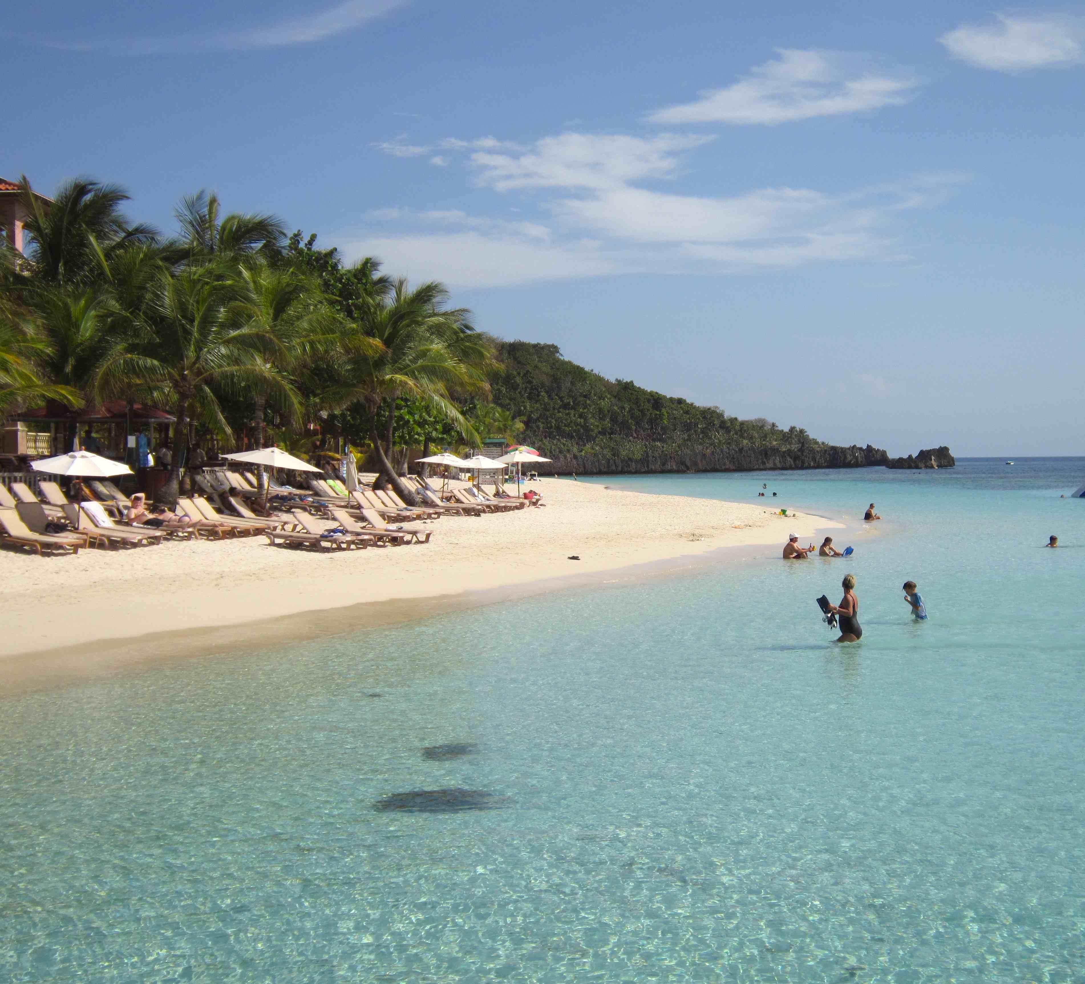 Island Beach People: No Hay Bronca