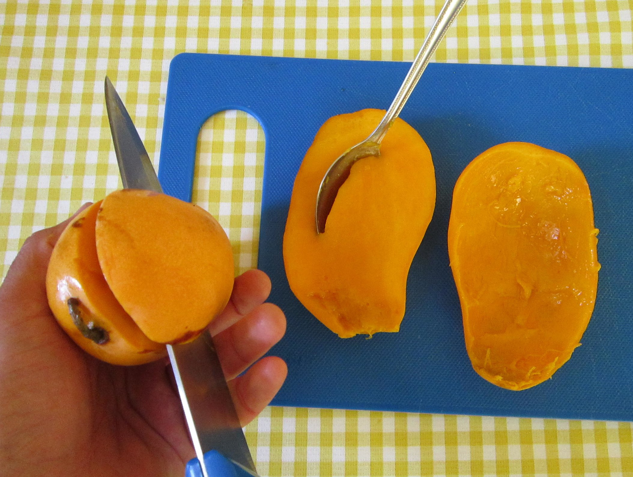 How To Cut A Mango And Get Deported From Spain No Hay Bronca How To Properly