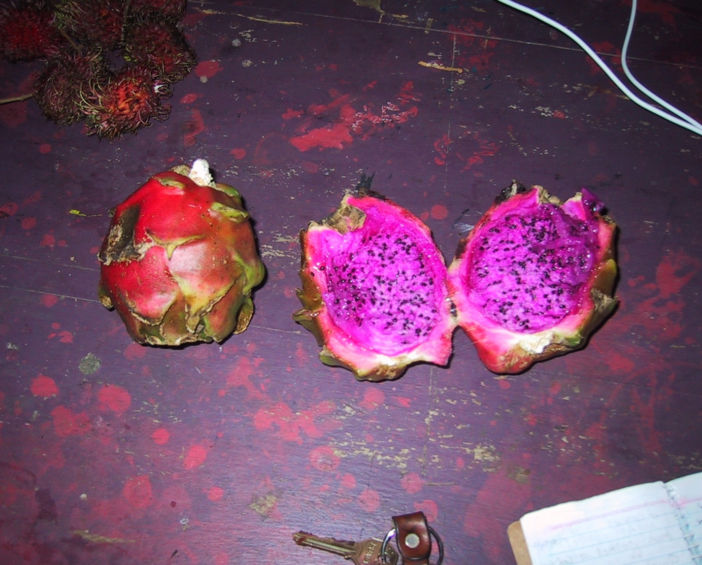 summer fruits dragon fruit in spanish