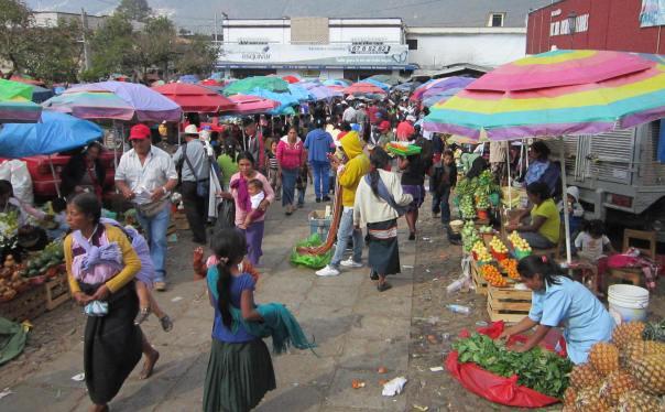 5 San Cris market entrance NHB